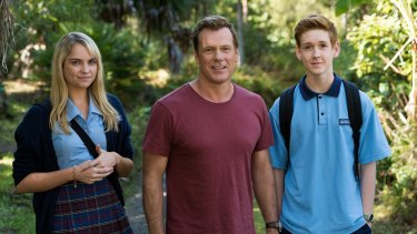 Erik Thomson (centre) says he was relieved with the choice of actors Melina Vidler, left, and Benson Jack Anthony to play his kids in <i>800 Words</i>.