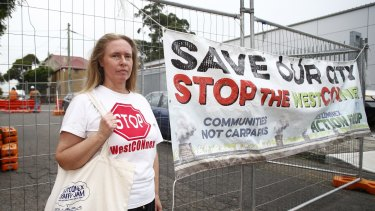 St Peters resident Ngaire Worboys said she felt as if she had been imprisoned when contractors erected a fence around her.