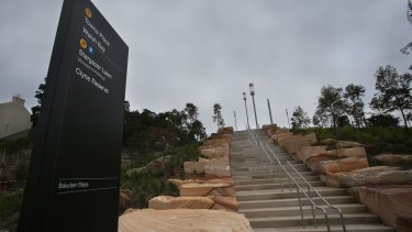 The climb up Barangaroo Point Reserve.