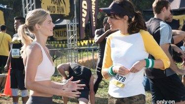 Samara Weaving and Frankie Shaw in scene from season one of SMILF.