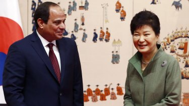South Korean President Park Geun-hye (left) with Egyptian Egypt's President Abdel-Fattah el-Sissi in Seoul on Thursday.