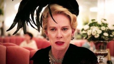 Judy Davis as Hedda Hopper in Feud: Bette and Joan.