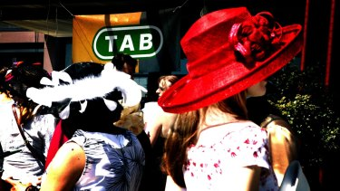 CrownBet has dropped its opposition to the $11b Tatts-Tabcorp merger push.