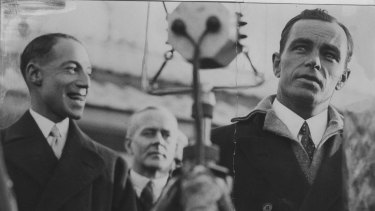 Queensland aviation pioneer Bert Hinkler (right).