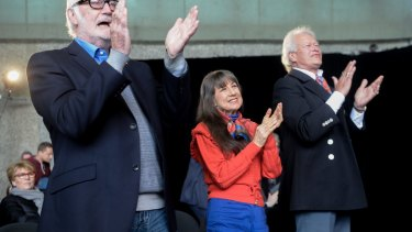 Athol Guy, Judith Durham and Keith Potger gave the cast a standing ovation after a song.
