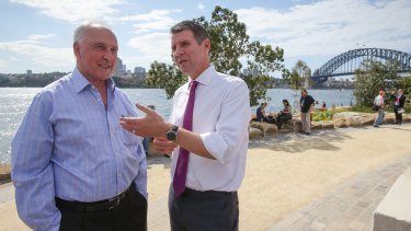 Former prime minister Paul Keating and NSW Premier Mike Baird at the opening of the reserve.