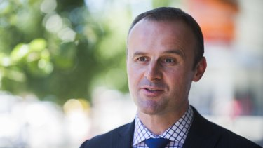 ACT Chief Minister Andrew Barr raised the prospect of a budget air link between Canberra and Melbourne with Victorian premier Daniel Andrews.