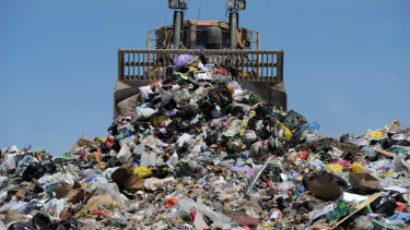 Pressure is building on Queensland Government and local councils to ban any new landfill in Southeast Queensland