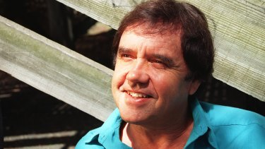 Peter Luck at home in Balmain in 1996. Luck has died, aged 73.