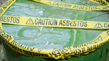 """National report says there are """"no good plans"""" to deal with asbestos waste."""
