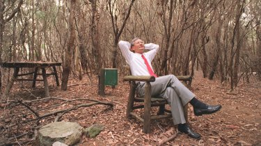 ''We love living here. It's in the bush'': Dick Smith at home in 1995, shortly after he sold <i>Australian Geographic</i>.