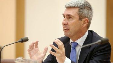 Tony Abbott's former health adviser Terry Barnes says politicians have caved into the public health lobby.