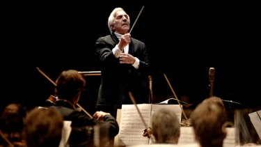 Vladimir Ashkenazy and the SSO.