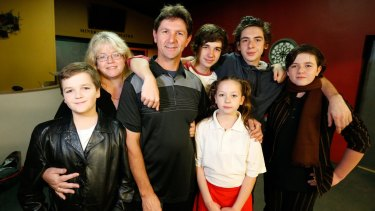 Worker Alex Varga with his wife Leah and children Andrew, 17, Steven, 15, Mathew, 13, Nathan, 11 and Jessie, 10.