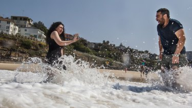 Syrian migrants Alaa (Alan) Alnseer and his sister Lama have had a lesson about safety at Tamarama.