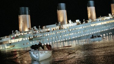 The combination of real-life disaster, fictional love story and eye-popping special effects helped <i>Titanic</i> sail into movie history.