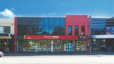 A Chinese family has snapped up a Balwyn shop at 313-315 Whitehorse Road for $6.18 million.
