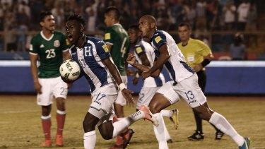 Alberth Elis of Honduras celebrates after scoring against Mexico.
