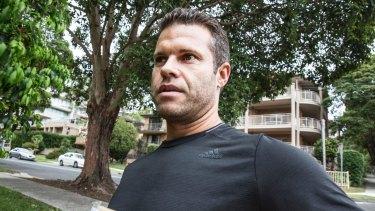 Spousebusters founder Brett Sutcliffe walking in Wollongong.