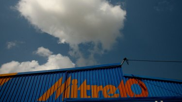 Investors reckon buying the Woolies hardware business to strengthen Mitre10 was a good idea.