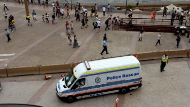 Police keep people away from the Sydney Opera House during last week's evacuation.