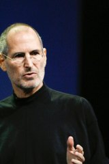 Steve Jobs simplified his life by wearing the same type of clothes every day.