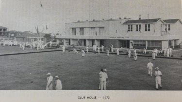 Bowlers on the greens in front of Waverley's clubhouse in Birrell Street, 1973.