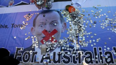 The bags of money left at the Australian embassy follow earlier protests in Jakarta in February that saw demonstrators leave coins for Prime Minister Tony Abbott.