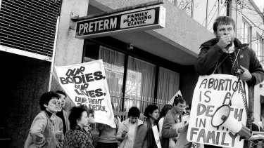 Pro choice and right-to-life demonstrators clash during a demonstration outside the Preterm Clinic in Cooper Street, Surry Hills on August 15, 1985.