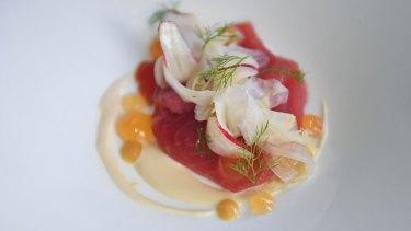 Yellowfin tuna, radish, fennel and grapefruit gel.