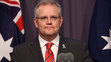 Scott Morrison's last-minute promise to process the claims of tens of thousands of asylum seekers locked in the support of the crossbenchers.