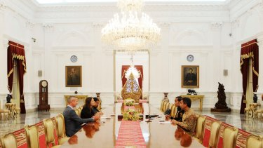 'Jokowi' revealed he does not have a mobile phone.