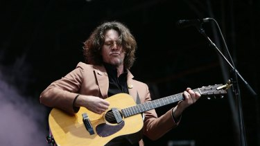 Bernard Fanning began his set solo before inviting members of his former band Powderfinger to join him on stage.