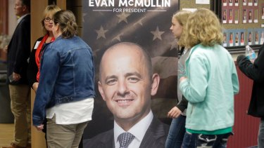 Supporters for independent presidential candidate Evan McMullin arrive for a rally in Draper, Utah.
