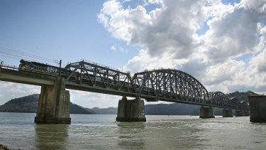 The Hawkesbury River Bridge at Brooklyn.