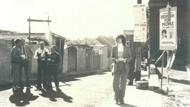 Clover Moore campaigning for a spot on South Sydney Council on election day, 1980.