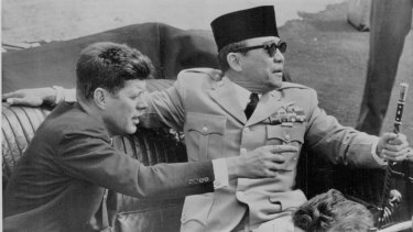 Then US president John F. Kennedy and president Sukarno of Indonesia in an open car in Washington in April 1961.