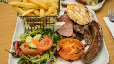 The mixed grill at the Empire State Hotel, Inglewood.