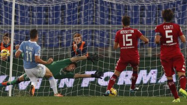 Klose slammed home two goals to help end Cagliari's streak.