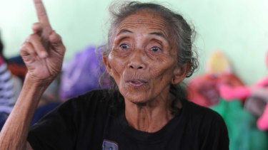 Ni Wayan Purna remembers the 1963 eruption which killed more than a thousand people.
