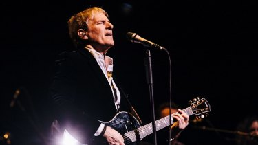 Michael Bolton brought his regular touring band and a 30-piece orchestra to the State Theatre.