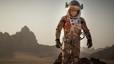 Science lessons from NASA helped <i>The Martian</i>'s writers with authenticity and accuracy.