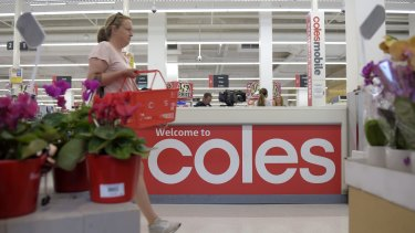 Coles' sales grew 0.7 per cent  during the last quarter, well down from the 4.9 per cent growth it saw in the March quarter of 2016.