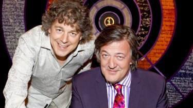 Alan Davies and Stephen Fry on <i>QI</i>.