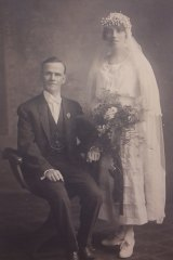 Victor Offe and his wife Minnie Olive Marks on their wedding day in May 1920.
