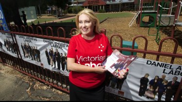 Labor MP Sharon Knight handing out voting cards at the Ballarat North Primary School