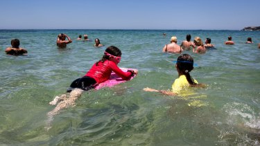 Beaches will again get crowded as a severe heatwave develops over the country's south-east.