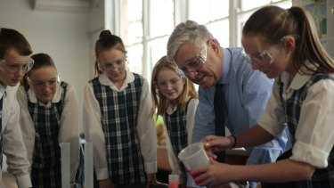 Gary Tilley from Seaforth Public School has won the 2016 Prime Minister's prize for primary science teaching.