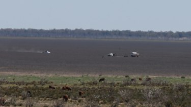 Water officials on Lake Menindee trying to find the best spot for bores to provide the town with water.
