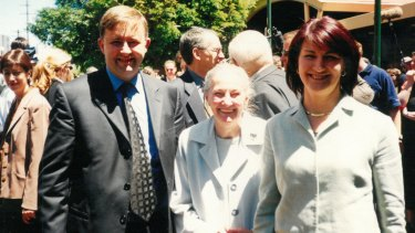 Albanese with his mother, Maryanne, and wife, Carmel Tebbutt, in Sydney at Labor's 2001 federal election campaign launch.